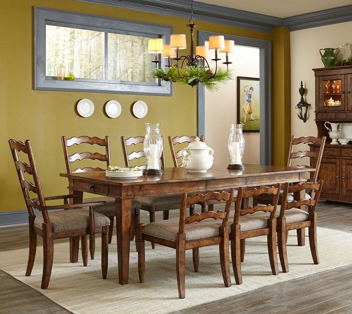 [렌탈] 436 Southern Pines Collection 6인 식탁세트 [테이블+벤치+암체어 2개+사이드 체어 2개] / 월 109,800원
